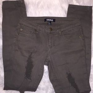 Forever 21 army green distressed skinny jeans. 4